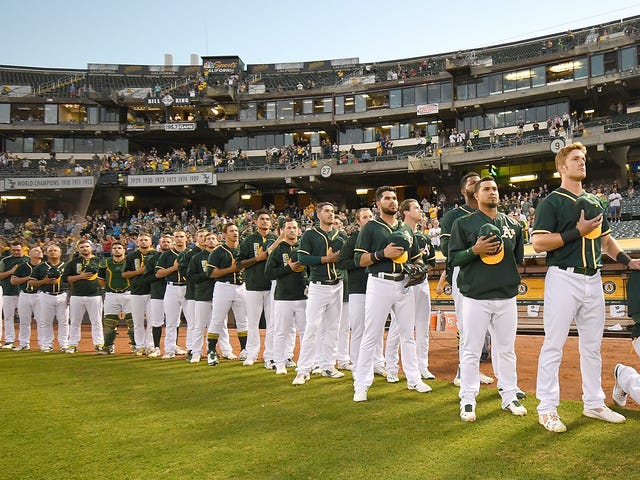 """Report: Anonymous Executive Says """"That Whole Anthem Issue"""" Will Keep Bruce Maxwell Out Of Baseball"""