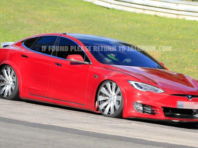 Inilah yang terjadi dengan percubaan rekod bercita pertama Tesla di Nürburgring