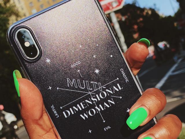 La merce dell'ala Sicuramente assomiglia molto al popolare contenuto femminista di Instagram