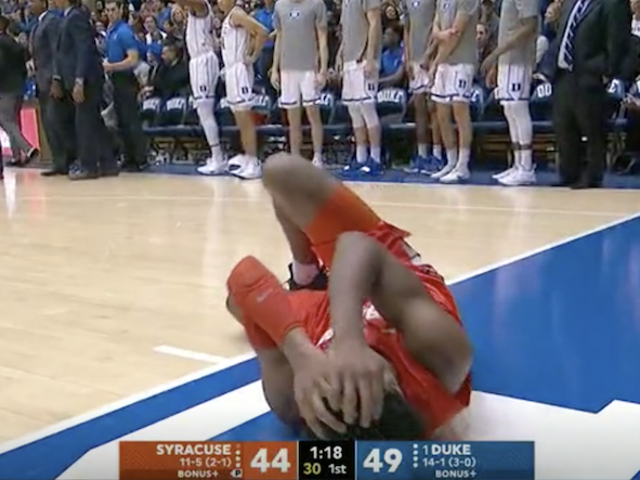 Syracuse's Concussion Protocol Seems, Uhh, Inadequate?