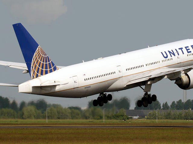 You Can Now Book Uber Rides Through United Airlines' App