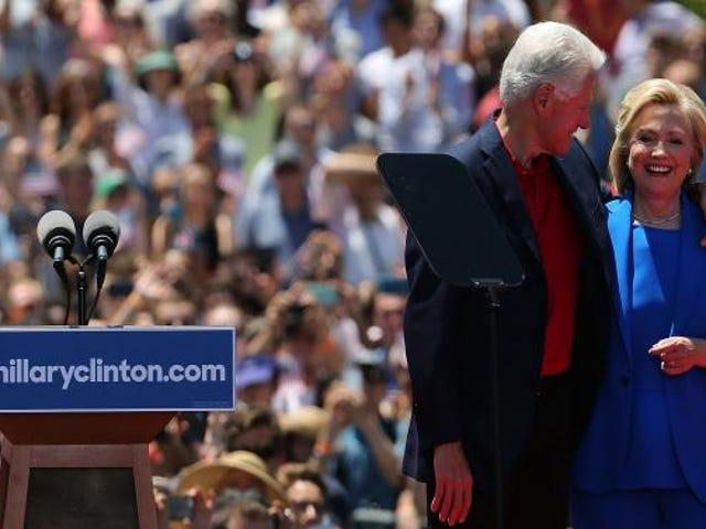 클린턴 유산은 흑인 빈곤입니다. 그렇다면 왜 우리는 여전히 힐러리에게 투표합니까?