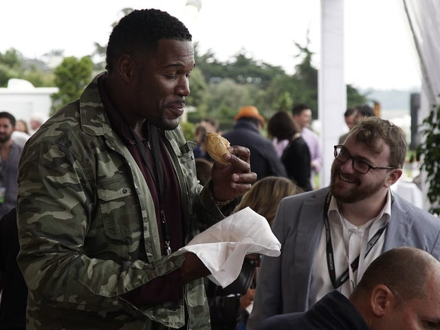 An Interview With Michael Strahan At Pebble Beach