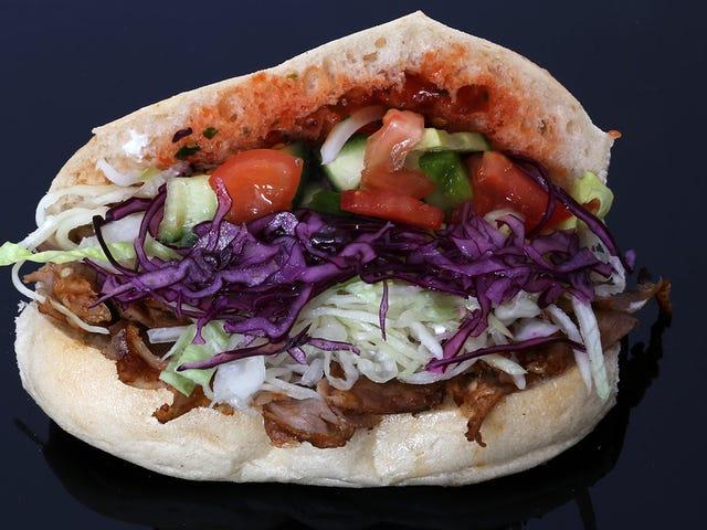 El verdadero origen del kebab (y por qué eso que has comido anoche probablemente no sea auténtico kebab)