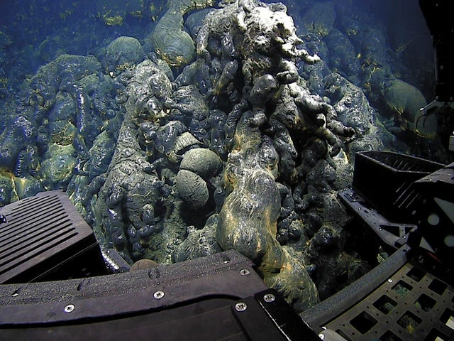 The Deepest Volcanic Eruption Ever Documented Left a Gnarly Sight on the Ocean Floor