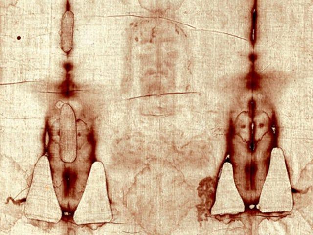 Un nuevo estudio forense de la sábana santa asegura que sus manchas de sangre son falsas