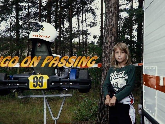 Một Kart Kid Giải thích Đi qua