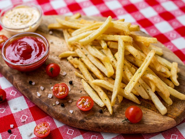 """Midwest bar chain changing name of popular """"Crack Fries"""""""