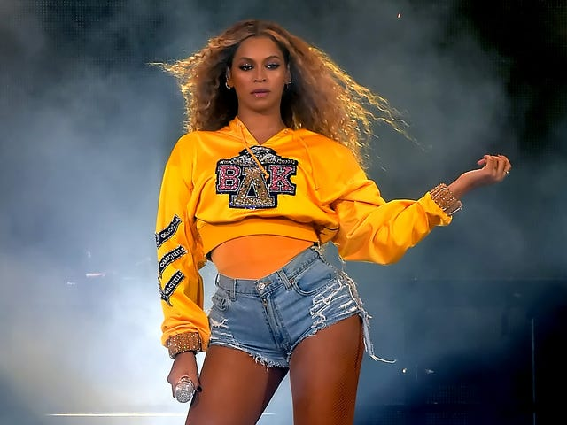 Can We Start Calling Them 'Bey-Z Dukes' Now? Beyoncé Is Killing Us in Studded Cutoffs [Updated]
