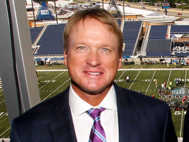 Report: Raiders Give 10-Year Contract To Guy Who Hasn't Coached Since 2009