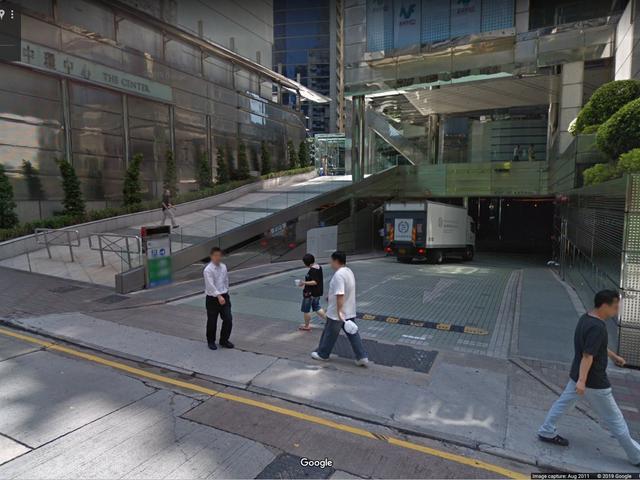 Essa garagem tem um estacionamento de US $ 970.000, aparentemente
