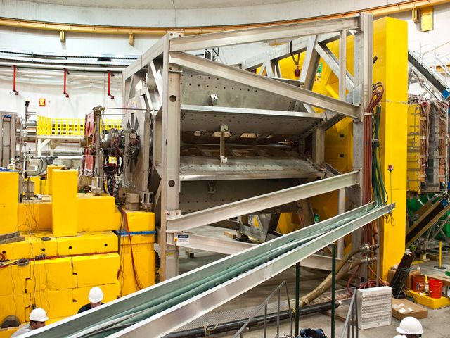Physicists Measure Precise Value of Proton's 'Weak Charge' for the First Time