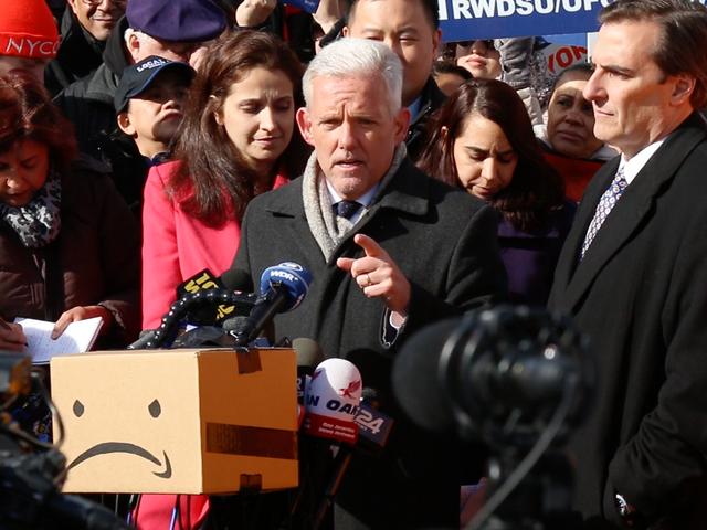 Các chính trị gia ở New York đề nghị một nơi tốt hơn Jeff Bezos có thể gắn trụ sở mới của mình
