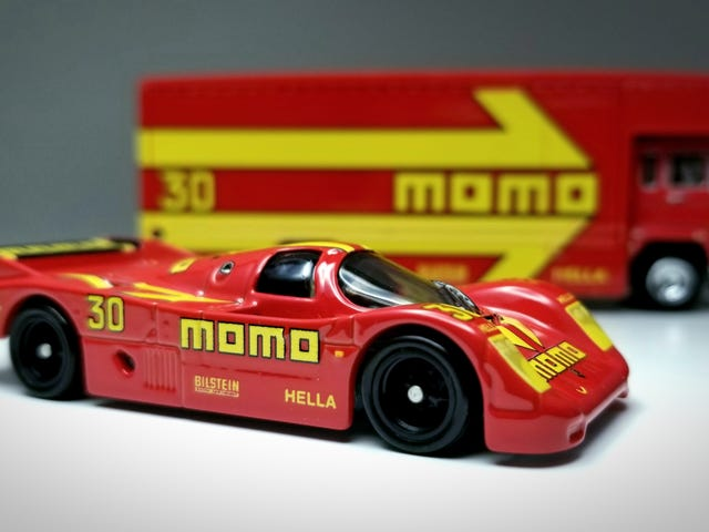 Rennsport Reunion: MOMO 962 and Transporter