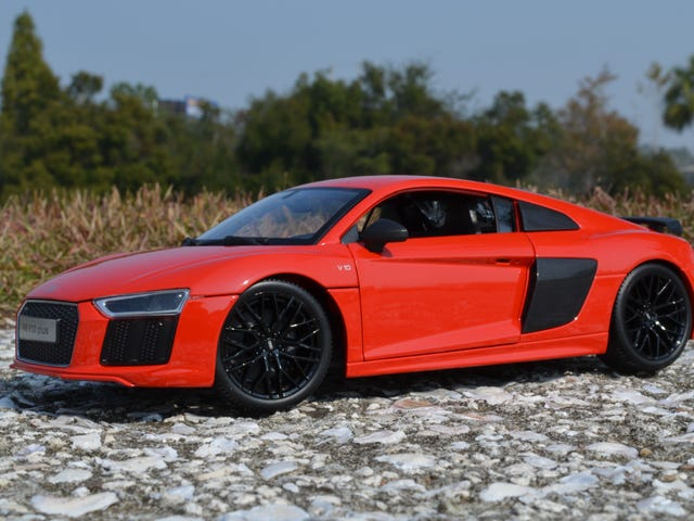 Car Week: 1/18 Maisto Audi R8 V10 Plus