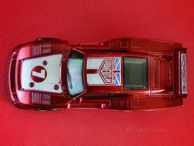 Rennsport Reunion: 1/64 Hot Wheels Car Culture Track Day Porsche 935/78
