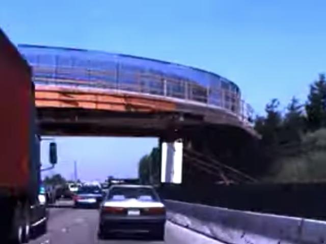 我们现在可以观看2009年以来的Google秘密无人驾驶汽车