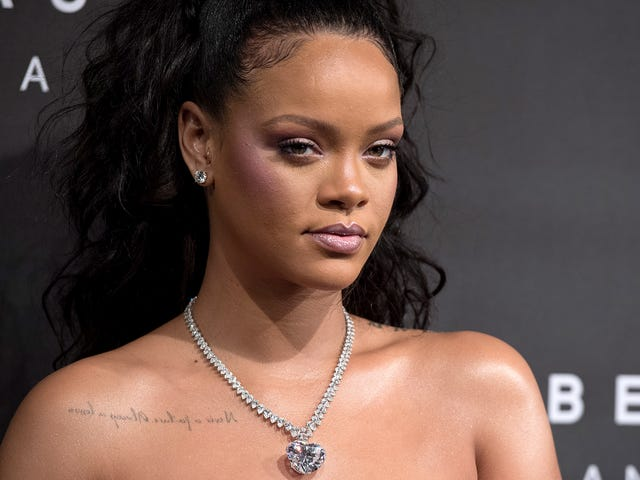 Even Rihanna Is Trying to Get the Dotard to Pay Attention to Puerto Rico's Humanitarian Crisis