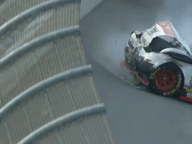 Talladega Xfinity NASCAR Race Ends i Chaotic Overtime 'Dega-Style Crash
