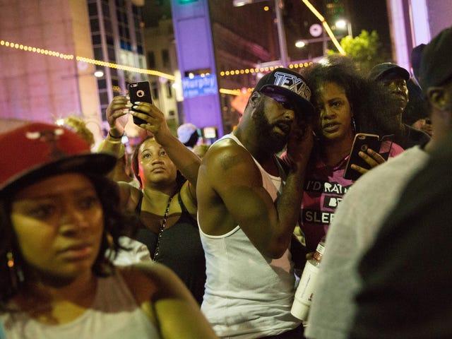 5 Officerer dræbt i Dallas Sniper Attack Efter Black Life Matter protestere
