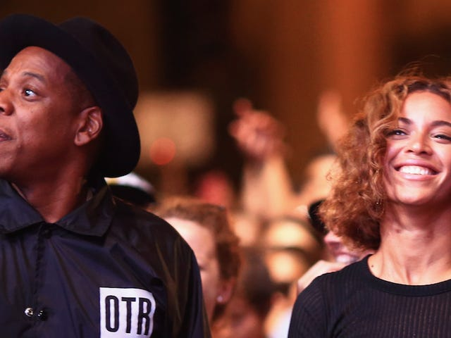 ​Jay Z and Beyoncé Allegedly Drop Pregnancy Announcement on Tour
