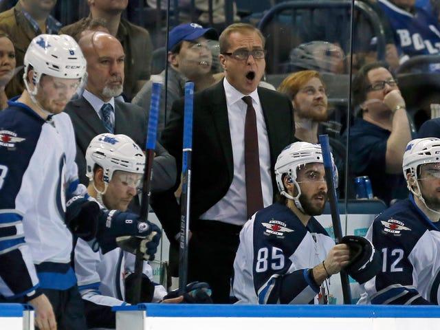 Paul Maurice, entraîneur des Jets éjecté en riant