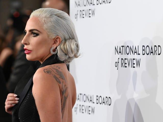 Lady Gaga entschuldigt sich für die Zusammenarbeit mit R. Kelly