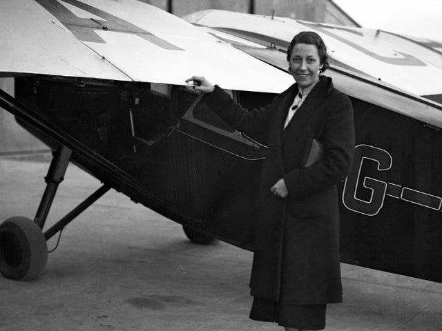 Salah Satu Juruterbang Wanita yang paling berjaya di Britain bekerja untuk kereta RAF dan bertarung di sebelah