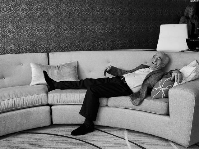スコセッシは、マーベルと現在の映画に対する彼の立場を擁護しています。「多くの映画は、すぐに消費できるように製造された製品です」