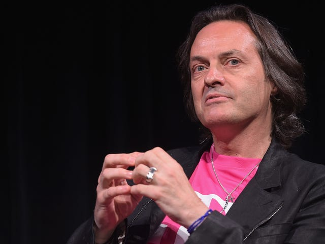 WeWork Dilaporkan Ingin CEO T-Mobile John Legere Mengambil alih Syarikat Terkutuknya