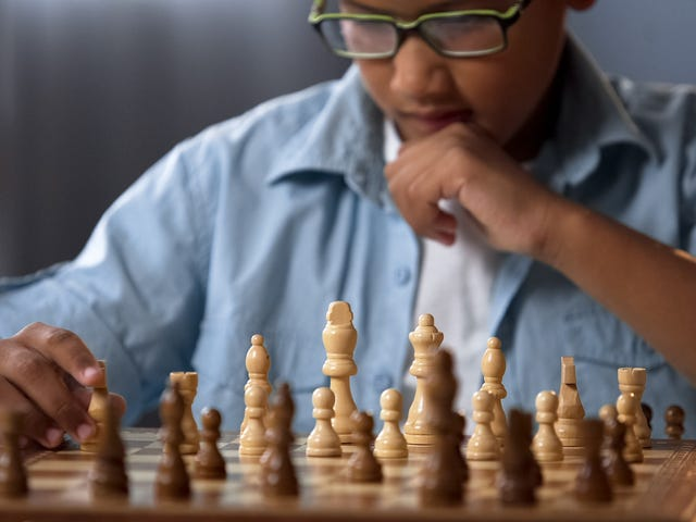 Last Call: Help me, I want to learn to play chess