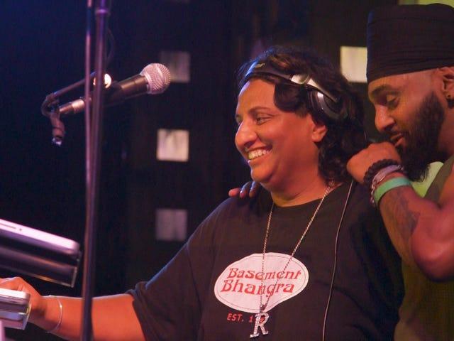 Ο DJ Rekha έδωσε το Young Desis το σημείο μας στο πάτωμα του χορού