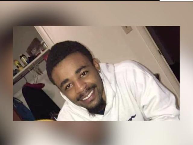 Кадры с телекамеры показывают, как 19-летний Де'Вон Бэйли убегал, когда его застрелили полицейские;  Вскрытие Смерти Убийство