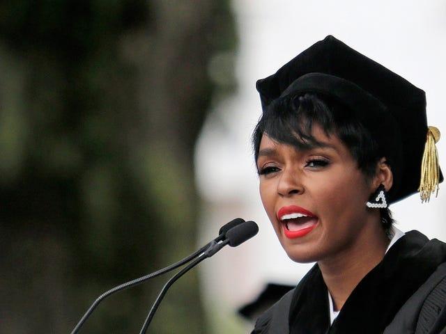 Janelle Monáe modtager honorær Dillard University Degree, afgiver indledende tale