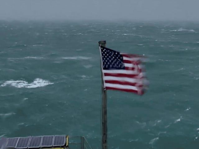 Casi puedes sentir la fuerza del huracán Florence con esta señal en directo de YouTube
