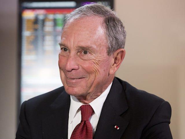 Bloomberg veroordeelt 'Safe Spaces' tijdens het beginadres, wordt opgevolgd