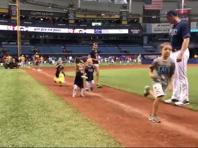 La figlia di Logan Morrison è una bambina molto sportiva, preferirebbe ballare piuttosto che gestire le basi
