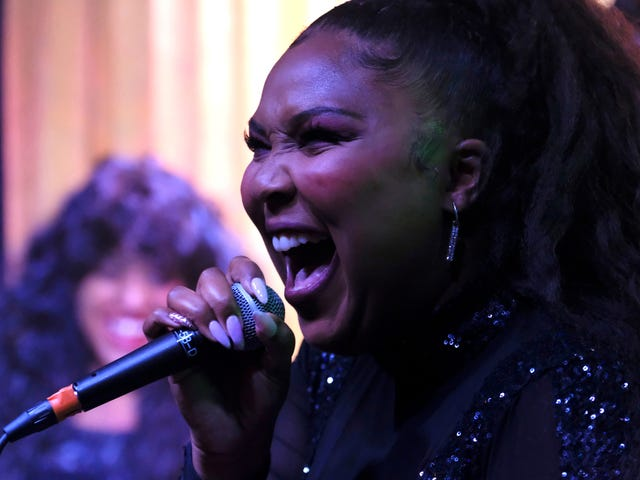 """It may be another """"Shallow"""" cover, but Lizzo makes it her own"""