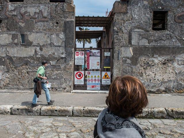 Come se il vulcano non fosse abbastanza male, ora Pompei affronta i turisti