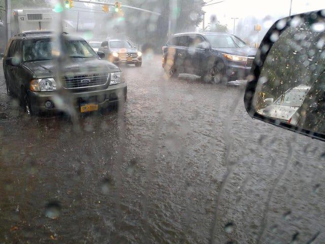 Yay, πλημμύρες στην πόλη μου