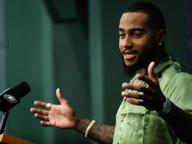 DeSean Jackson Wore His Newest Shirt To Announce His Return To The Eagles