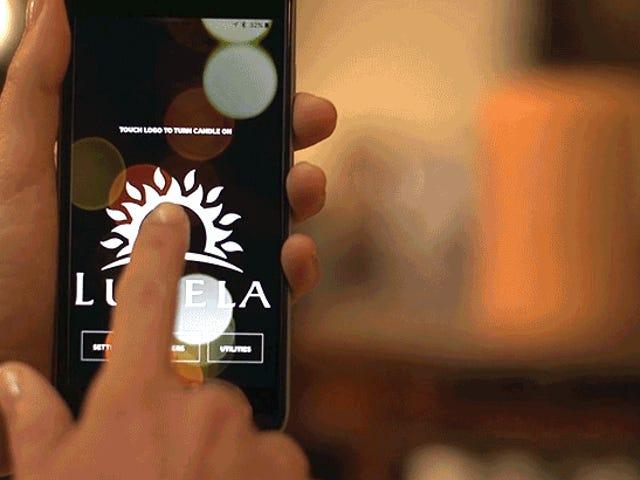 La prima Smart Candle al mondo può essere accesa e spenta dal tuo smartphone
