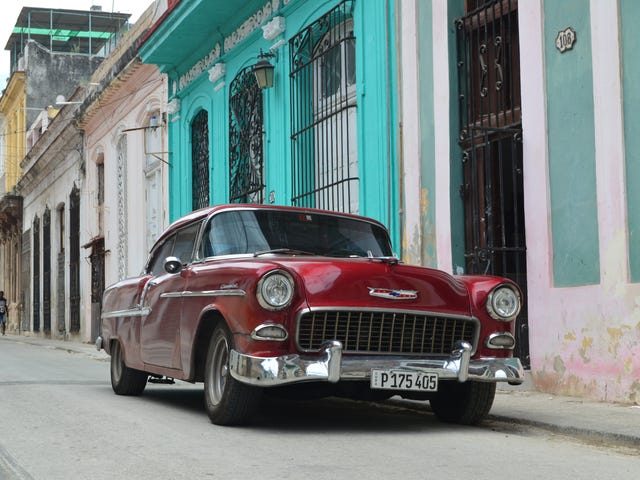 Went to Cuba, took some pics of cars