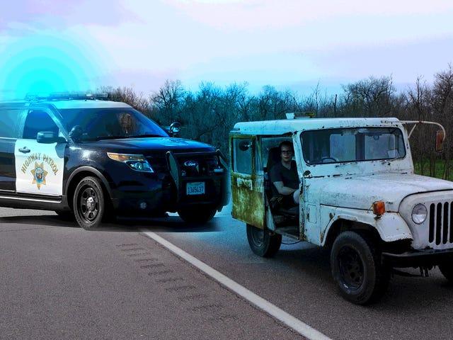 Ik had drie vreemde run-ins met de politie in mijn $ 500 Postal Jeep