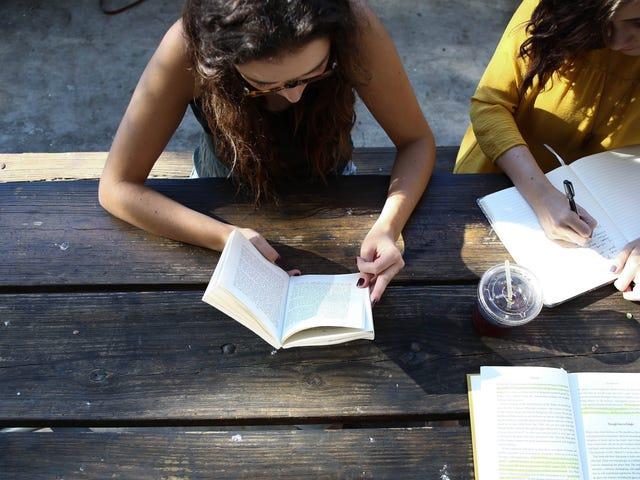 Düşük Seviyeli Dostluklar Neden Bu Kadar Değerli?