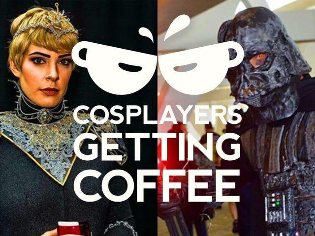 Il s'agit d'une série intitulée Cosplayers Getting Coffee, où les cosplayers qui ne sont pas Jerry Seinfeld ou qui conduisent des voitures traînent, boivent du café et parlent de leur métier.