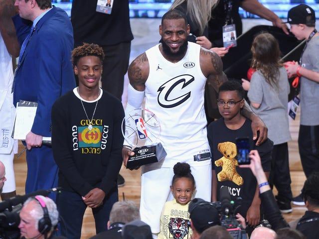 LeBron Jamesin pojat, Dwyane Wade seuraa isänsä jalanjälkiä ja yhdistyvät joukkoihin Sierra Canyonin lukiossa