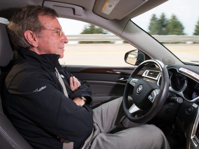 सेल्फ-ड्राइविंग कारों और ड्राइवर-असिस्टेंस सिस्टम के बीच भ्रम अभी भी व्याप्त है: अध्ययन
