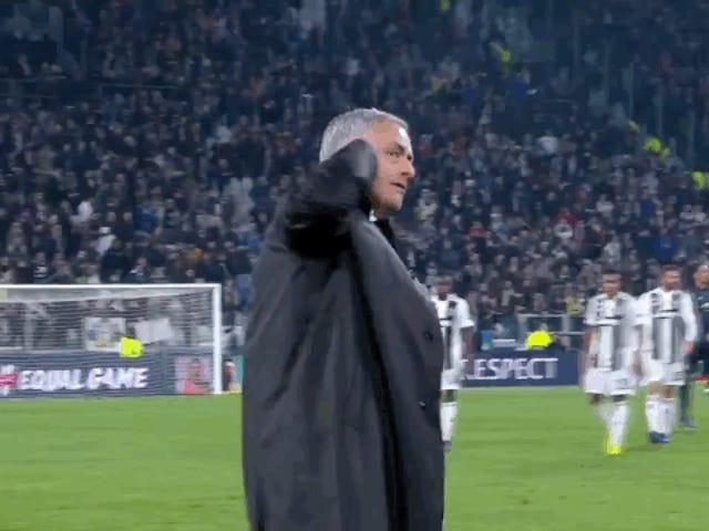 José Mourinho, Quintessential Assholery ile Quintessential Kazandı
