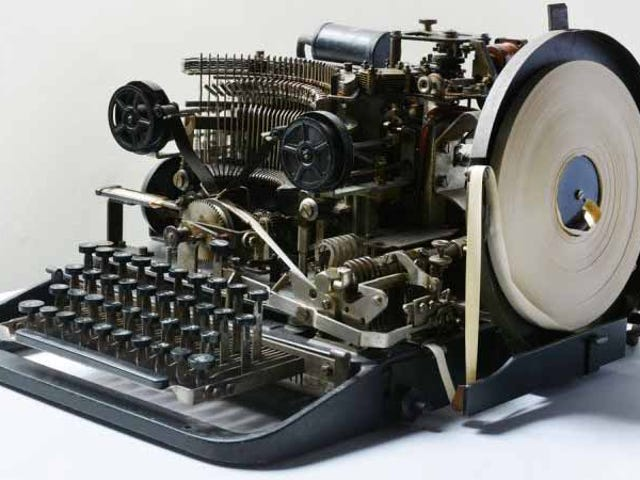 Encuentra un teleprinter nazi de la Segunda Guerra Mundial en eBay y lo compra por 13 euro
